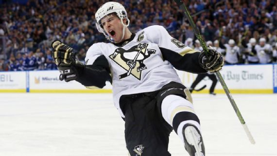 Sidney Crosby bats own rebound out of air for walk-off winner