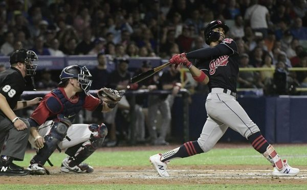 Francisco Lindor returns home with a bang as Cleveland Indians beat Twins, 6-1, in Puerto Rico